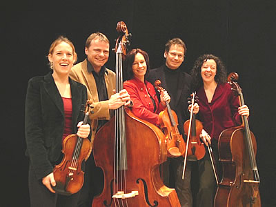 Ensemble Streichquintett Strings on Fire mit Susanne Mueller